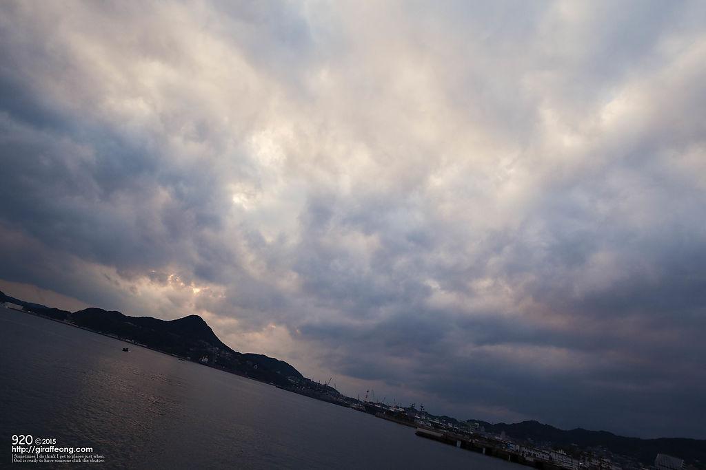 佐世保港から海。雲のもくもく感