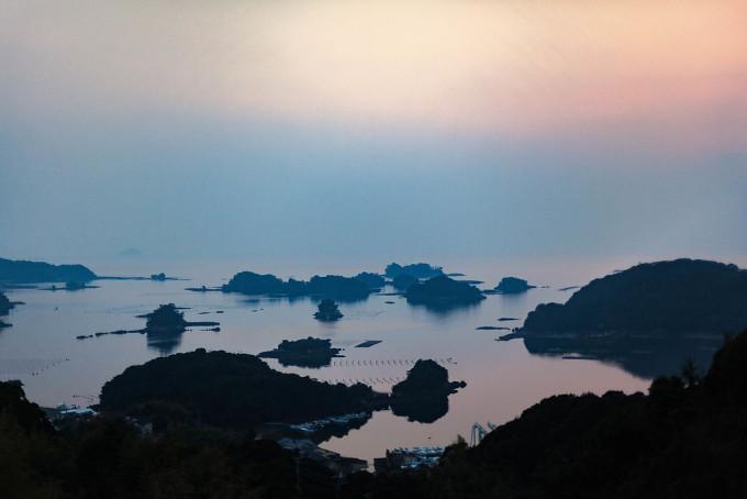船越から九十九島を一望。 太陽は雲に隠れてしまっていたが、美しかった。
