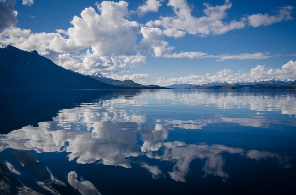 lake-water-brightness-reflection-mirror-sky