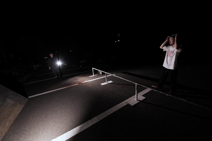 次はレールで斜めのボックスをレフ板に使えるかと思ったけど表面木目は無理目だった。